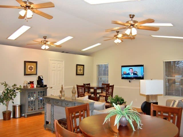 Dining room at Meadow Wood Apartments