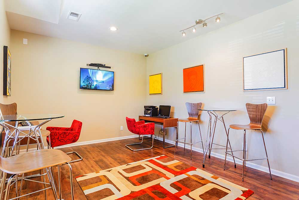 Surf the web or just sit and relax in the common area at Southgate Landing.