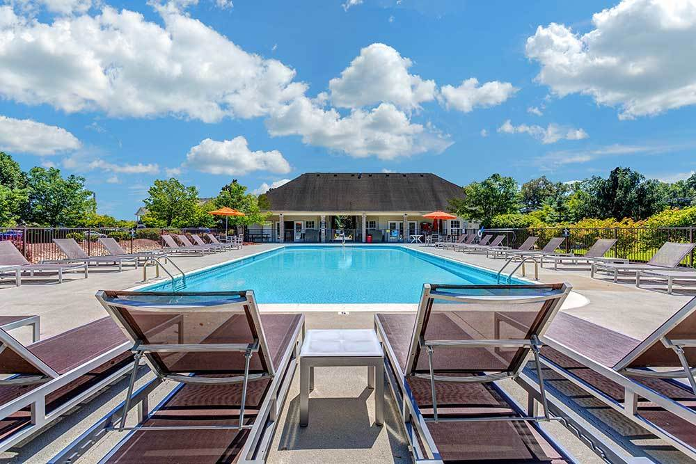 A resort-styled pool dazzles and keeps our residents cool at Southgate Landing.