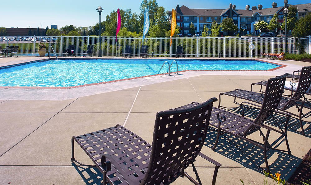 Pool at apartments in Woodbury, MN