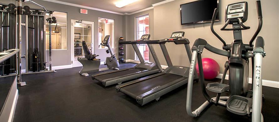 Fitness center at apartments in Manassas, VA