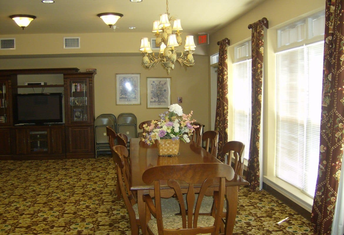 Dining room at Atlantic at Twin Hickory in Glen Allen