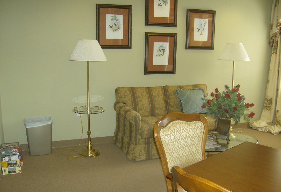 Atlantic at Twin Hickory spacious living room
