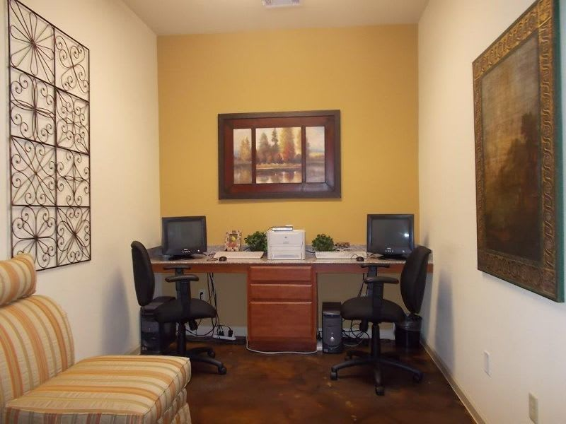 business center at apartments in Conroe, TX