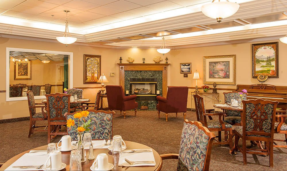 Beautiful dining area at Lakeview Senior Living