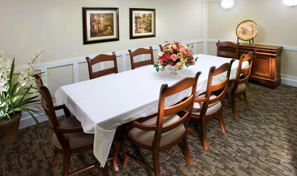 Luxurious Dining At Our Senior Living Community In Brentwood