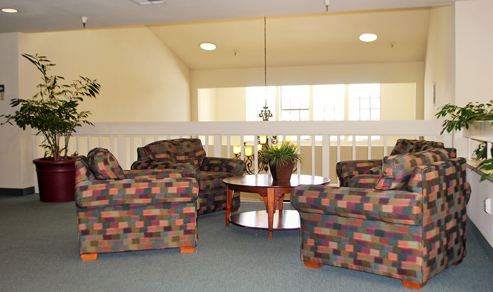 Common room at the senior living community in Grass Valley