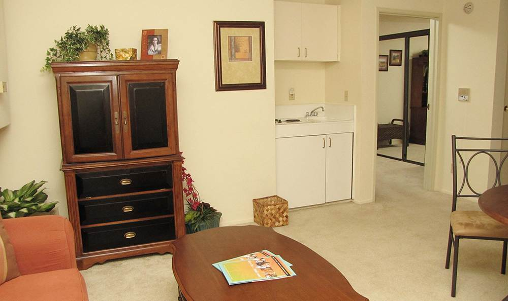 Grass Valley Senior Living Has Spacious Living Rooms