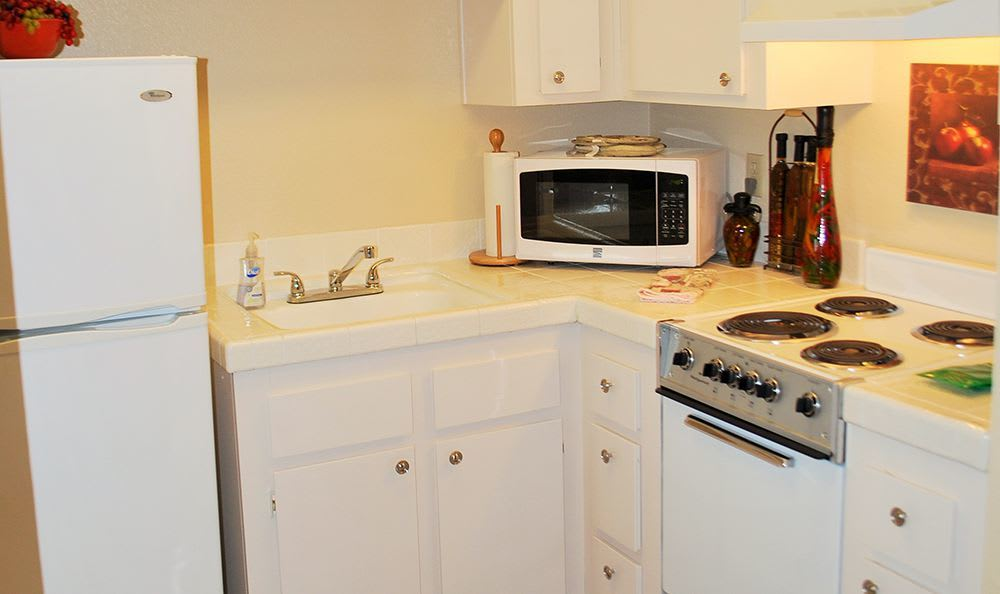 Modern Kitchen in Roseville Senior Living Community