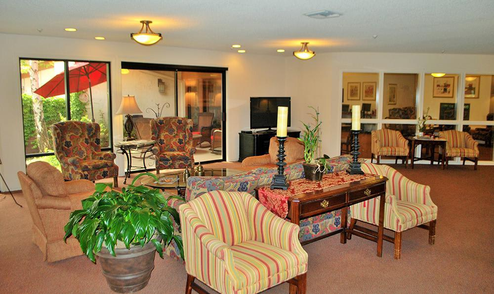 Relaxing Common Room at the Senior Living community in Roseville