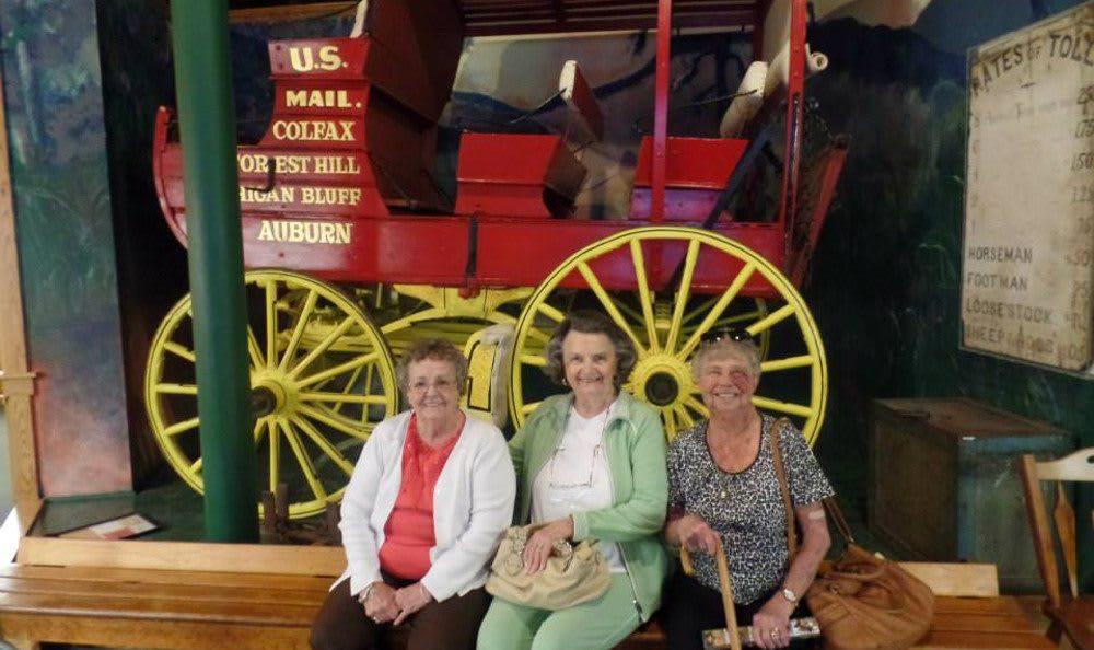 Group Outings at Roseville Commons Senior Living