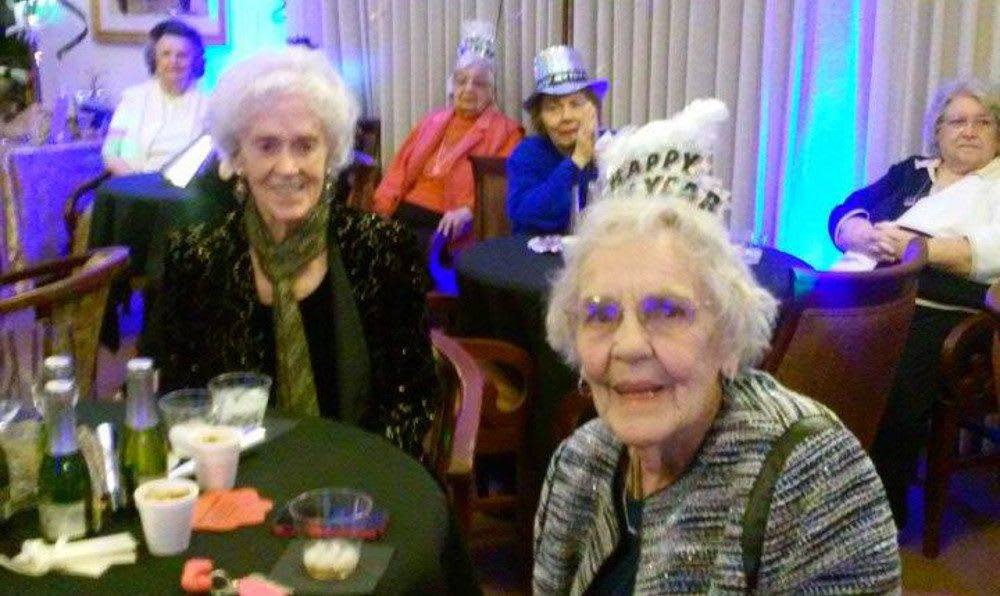 New Years party at Roseville Commons Senior Living