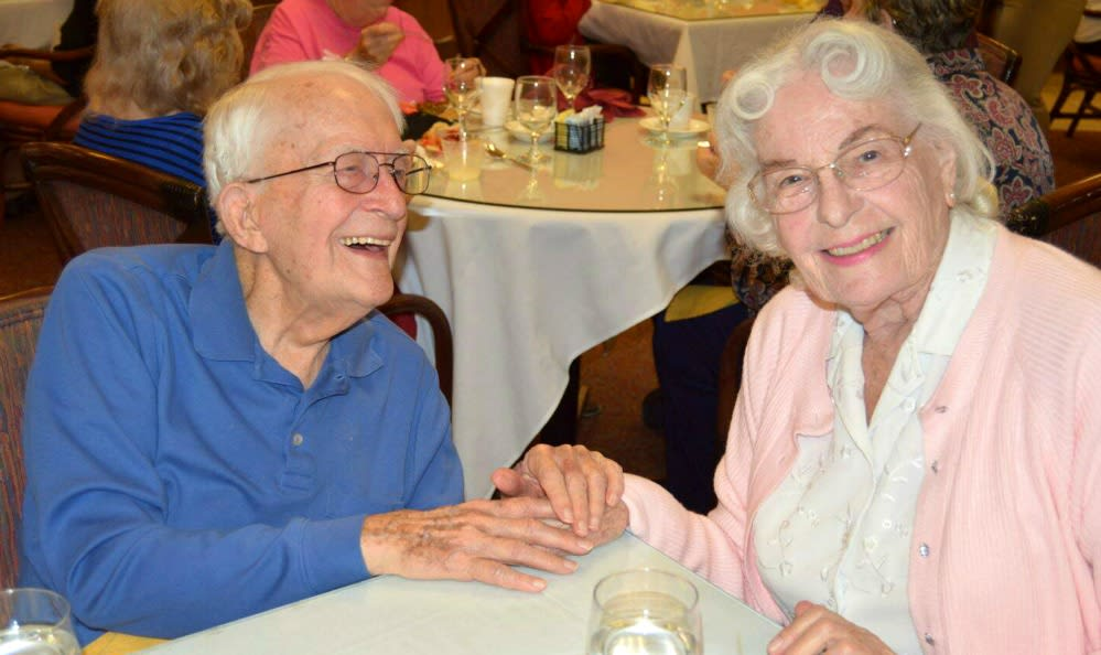 Senior living in Sacramento includes fun community dinners