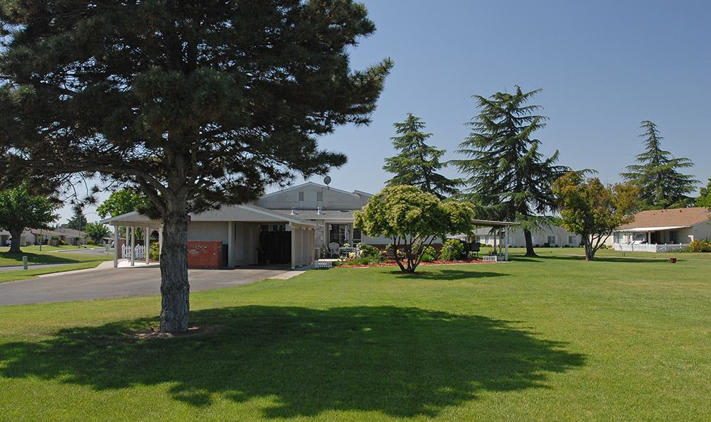 Senior Living in Atwater Have Well Landscaped Yards