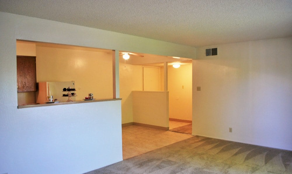 Spacious apartments at  Arden Palms Apartments, Sacramento in CA