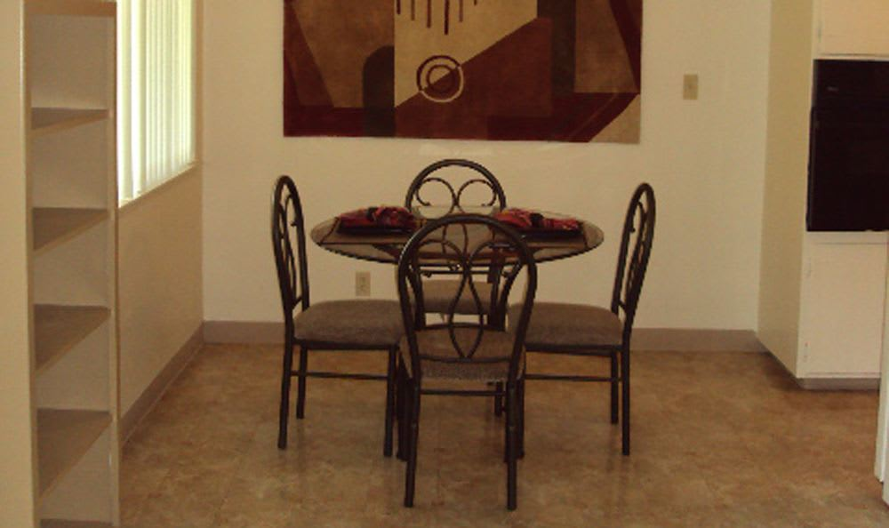 Dining table at Sacramento apartments