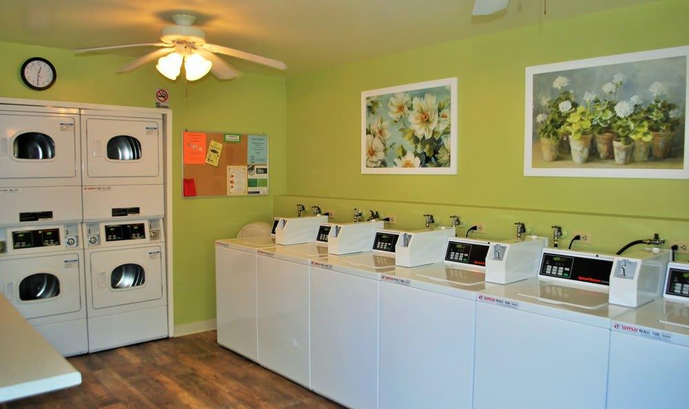 San Juan Hills in Fair Oaks, CA includes a laundry room