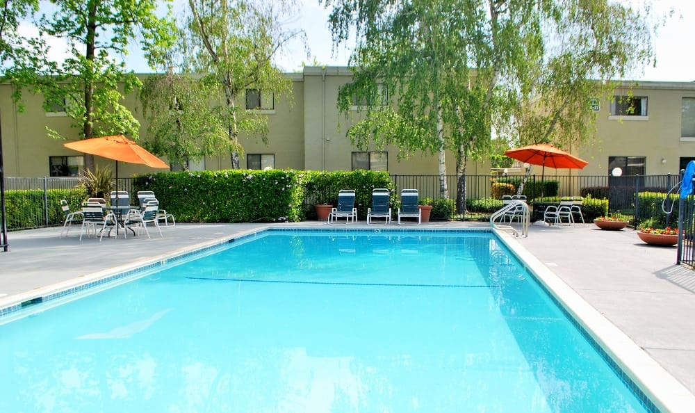 Sparkling pool of California Center Apartments in Sacramento, California