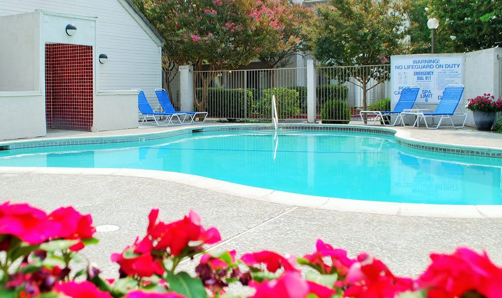 Apartments in Lodi features a pool