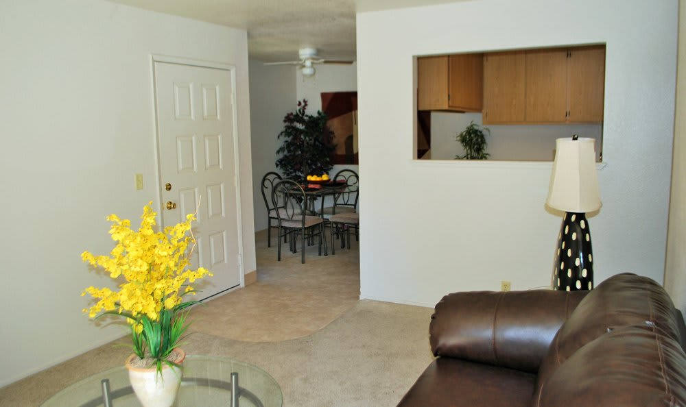 Living room at Zinfandel Ranch Apartments in Rancho Cordova, CA