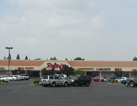 The Yuba Shopping Center is a great place for your business