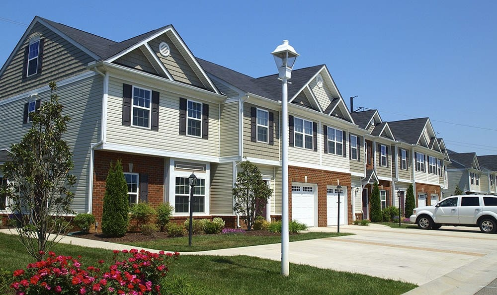 Garages At Townhomes In Chester Virginia