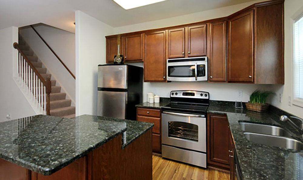 New Kitchen Appliances At Townhomes In Chester Virginia