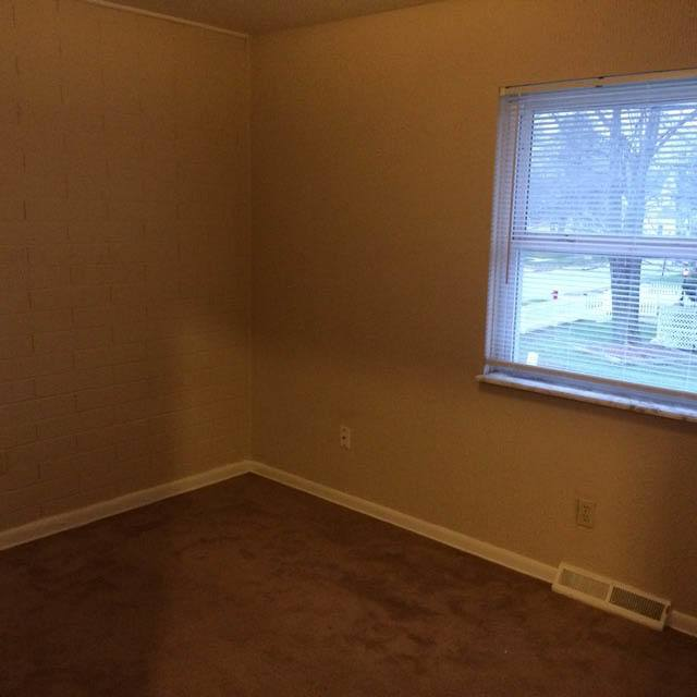 Room at apartments in OH