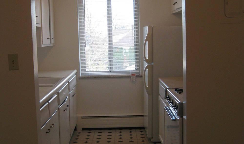 Kitchen at Bellecliff Apartments