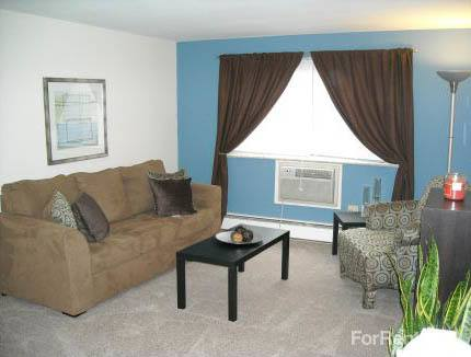 Air conditioned apartments in Lakewood, OH