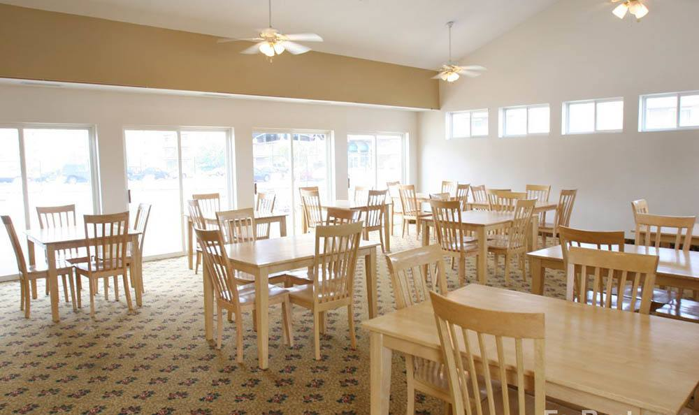 Community dining at apartments in Warrensville Heights