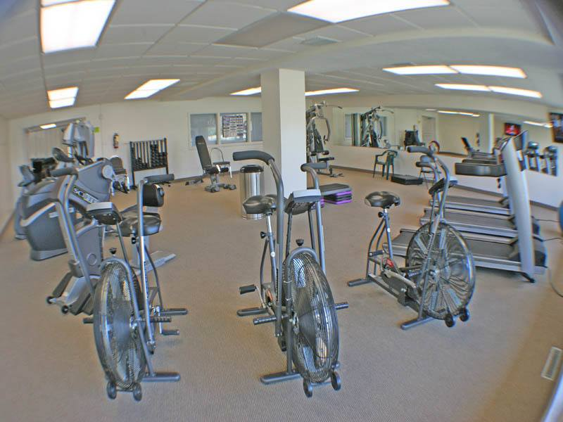 Fitness center at apartments in Euclid