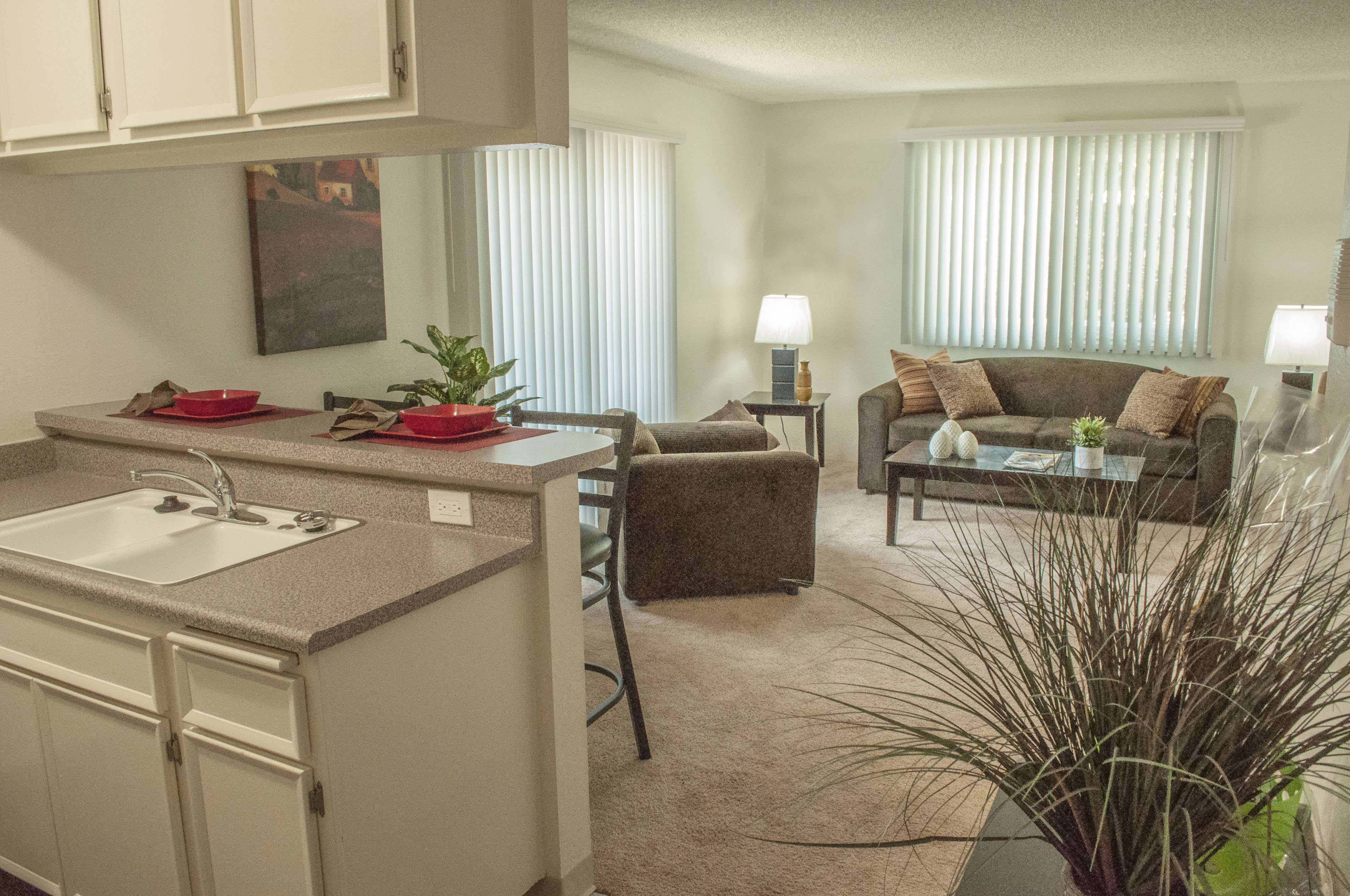 Furnished Studios And 1 Bedroom Apartments In Northridge, CA