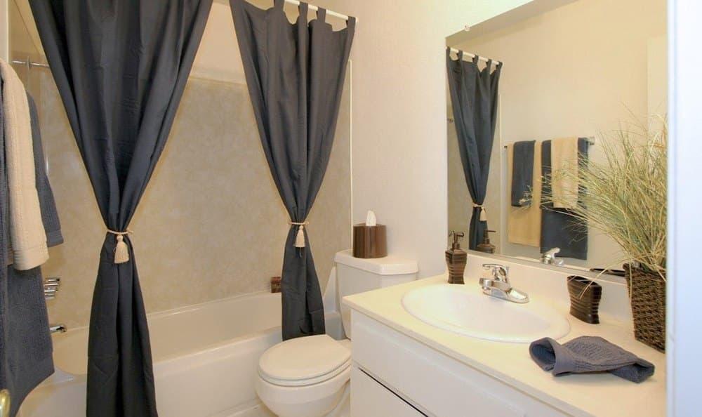 Bright bathroom at Vista Pointe II
