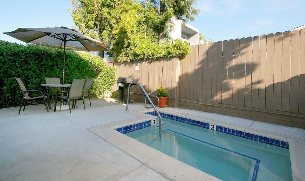 Vista 1 Amenities Pool