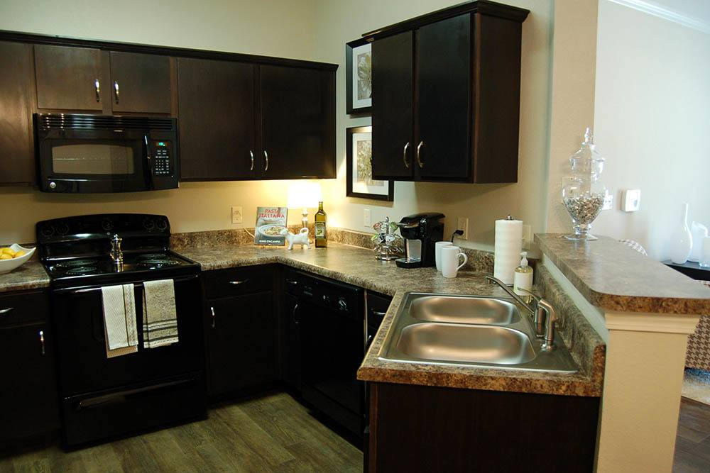 Apartments With Granite Countertops At Riverscape