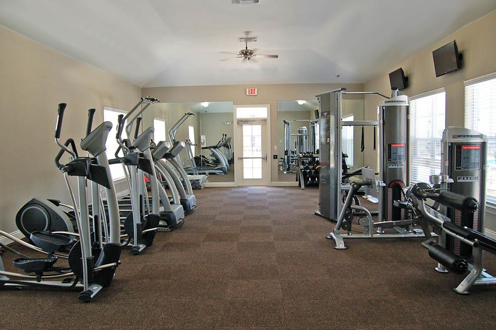 Gym Facility At Riverscape Apartment Homes