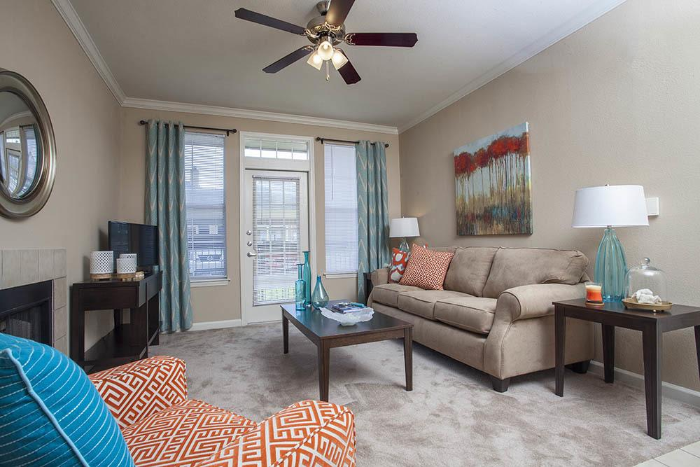Designer Living Spaces At Nelson Pointe