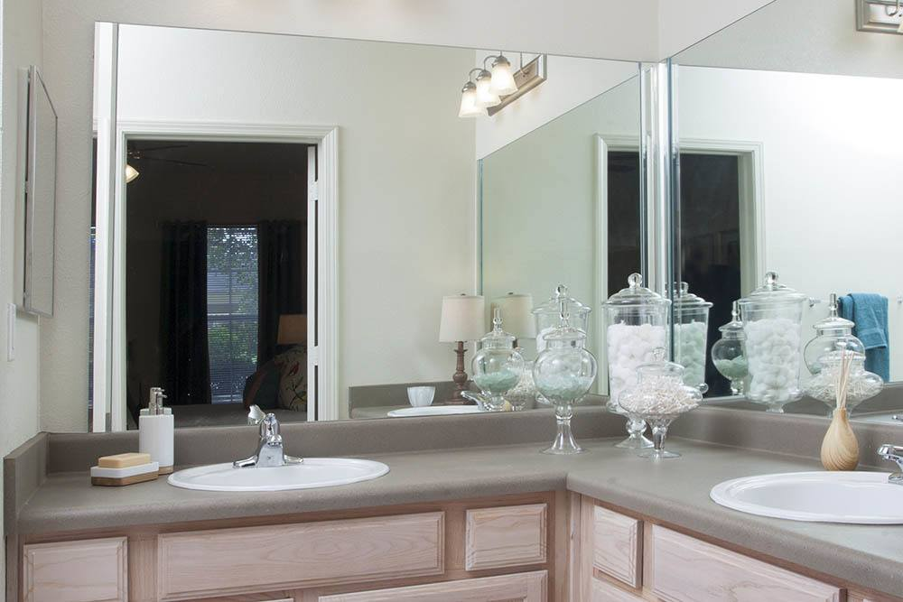 Luxury Bathrooms At Nelson Pointe