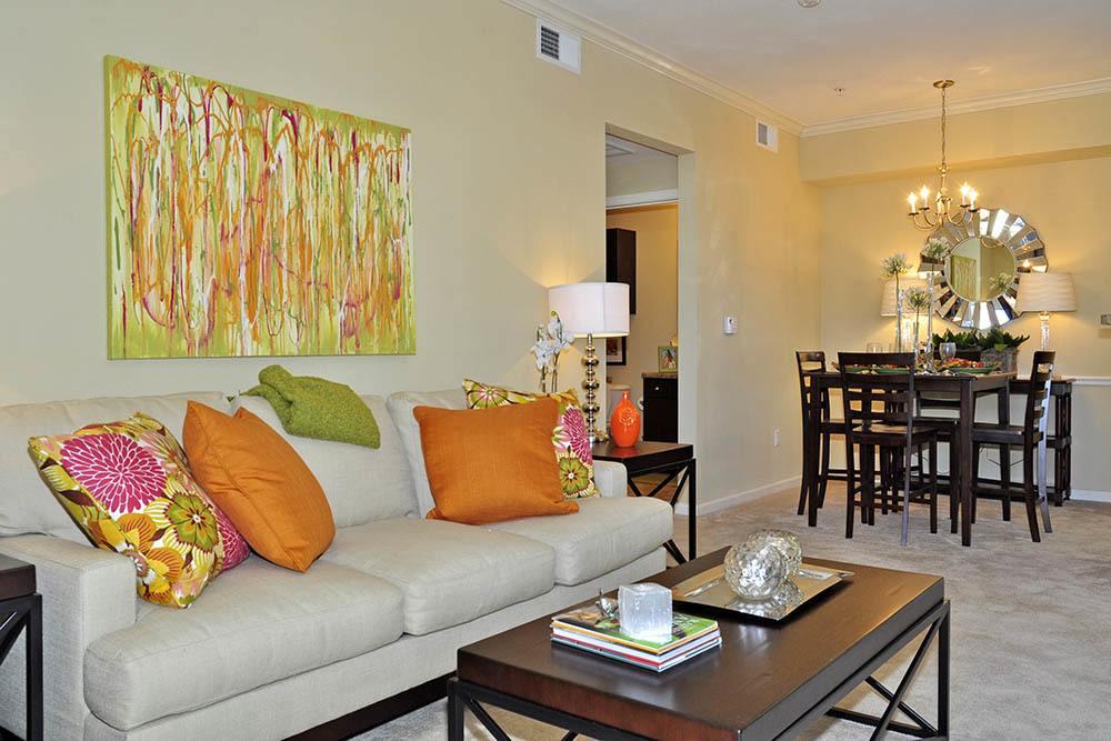 Designer Living Rooms At Magnolia Trace