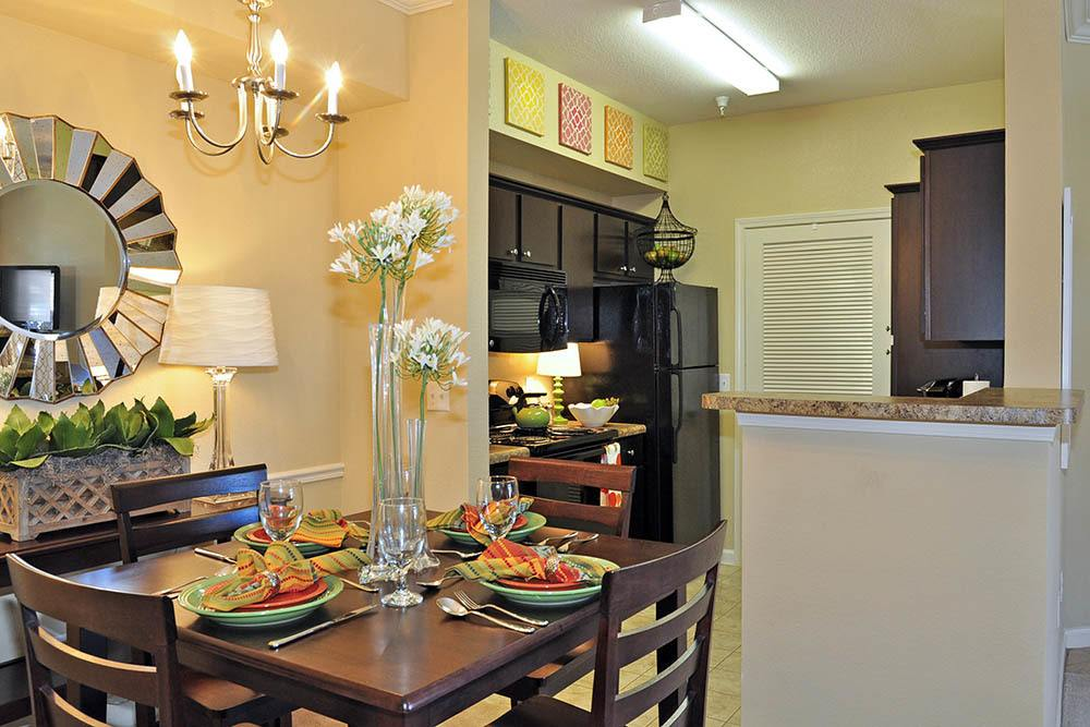 Family Dinning Room At Magnolia Trace