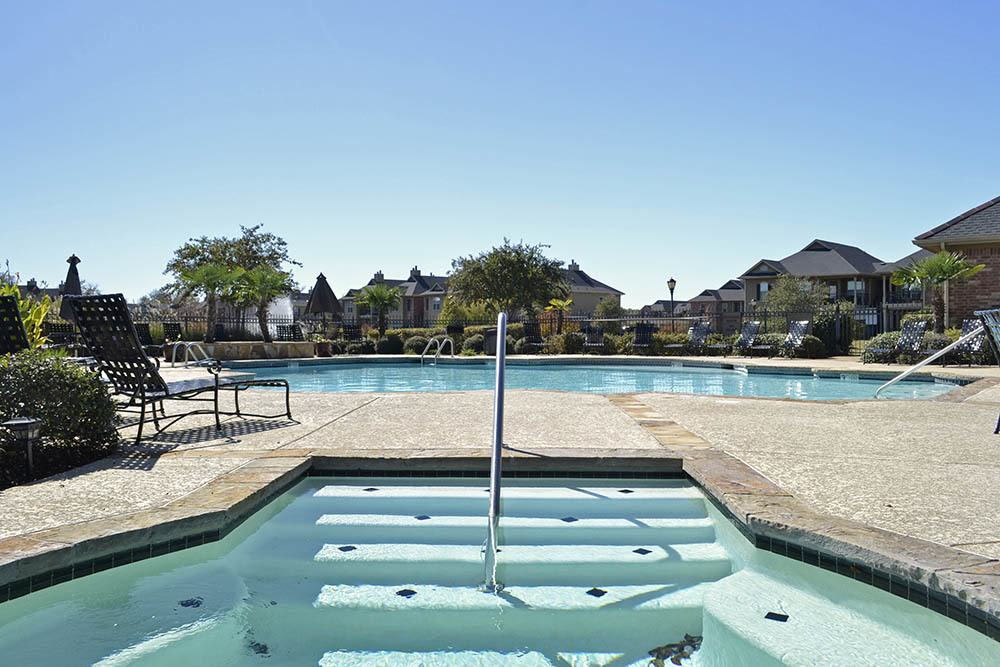 Magnolia Trace Apartment Homes Swimming Pool And Hot Tub