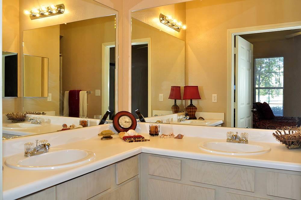 Magnolia Trace Has Large Bathrooms