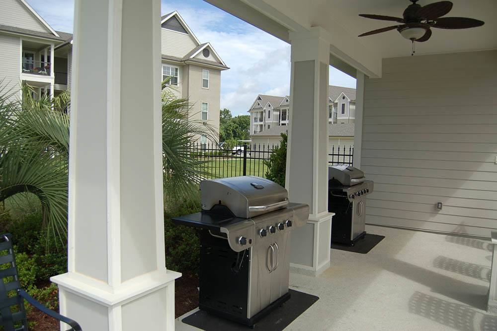 Belle Savanne Apartment Homes Community Bbq Area
