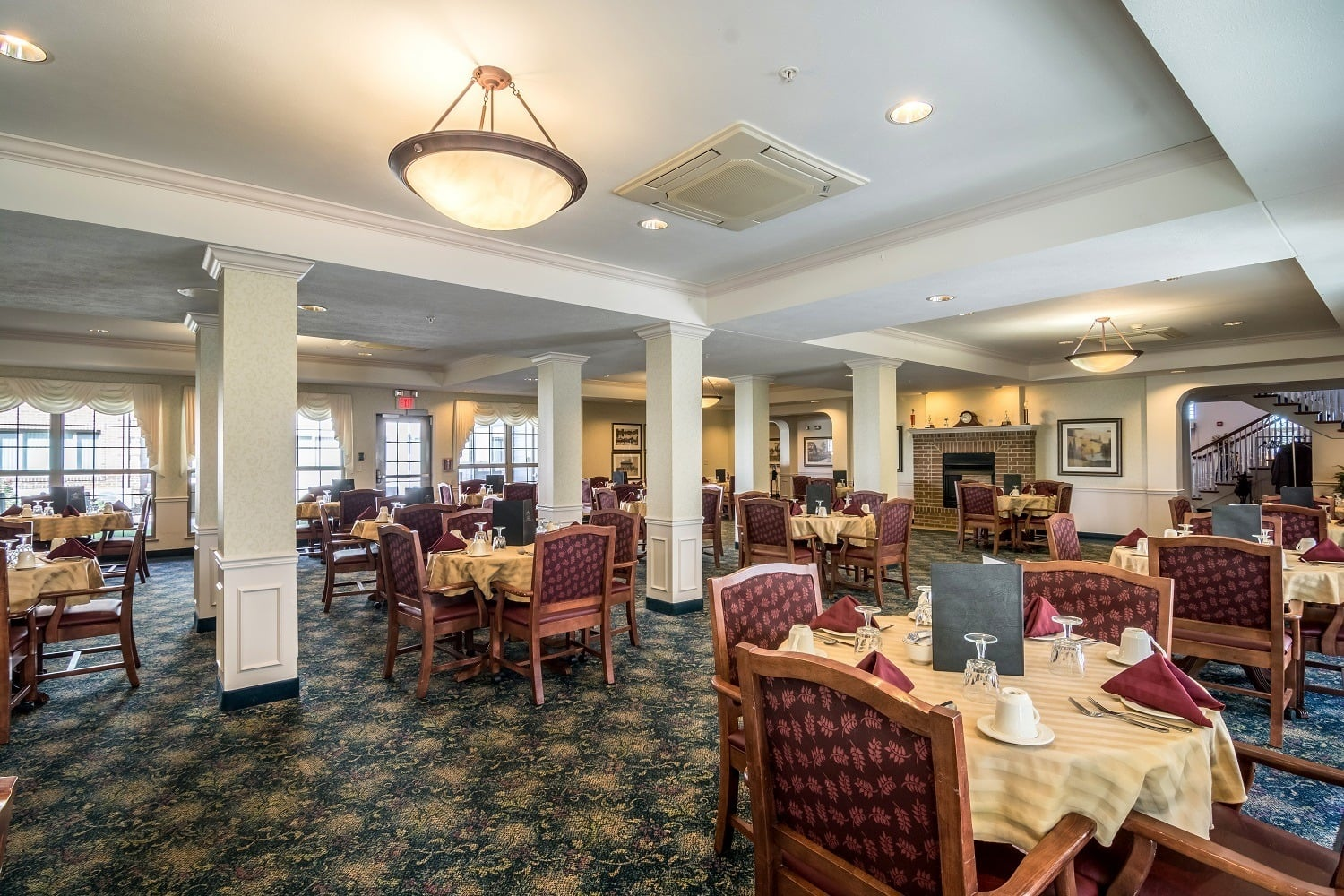 Assisted Living Dining Room in Portage Indiana