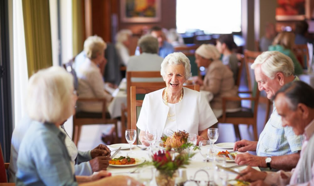 Dining at our senior living facility in Burr Ridge