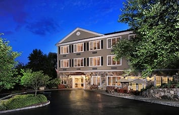Visit our Maplewood at Danbury website for more information about our Danbury, Connecticut, senior living community.