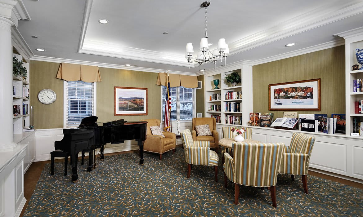 You can dine in the expansive, lavish dining room at Maplewood at Orange - or for special events we have exquisite private dining areas as well.