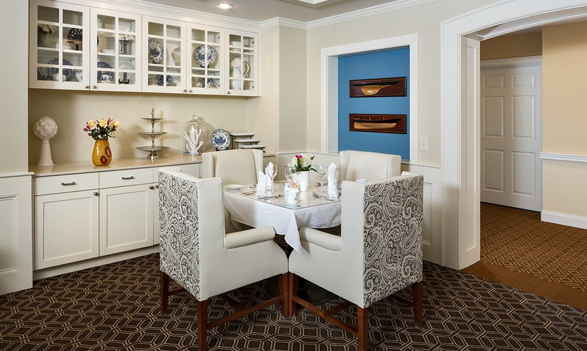 Residents at Maplewood at Darien can dine where they please - in our formal dining room, pub, or one of several luxurious private dining areas.