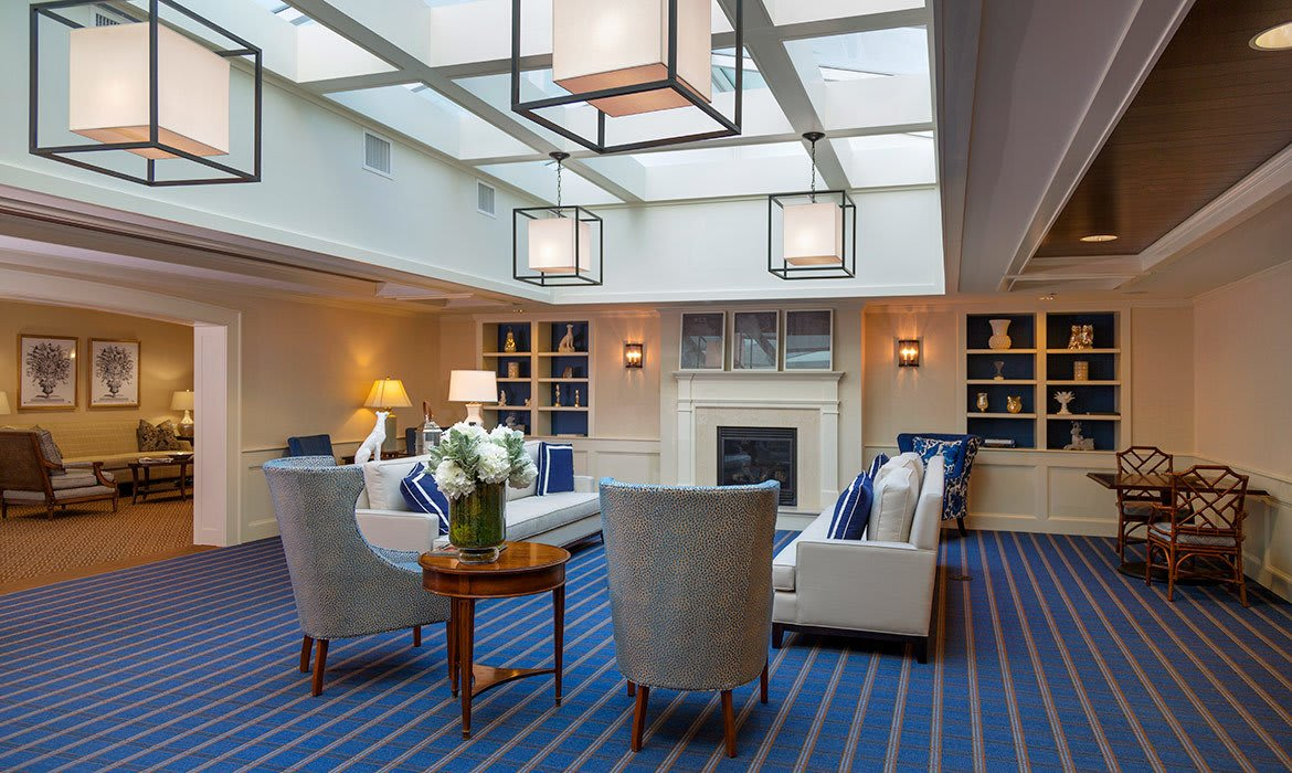 Maplewood at Darien in Darien, CT has plenty of comfortable common areas for socializing and relaxing.